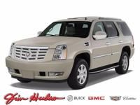 This 2014 Cadillac Escalade AWD 4dr Luxury is proudly