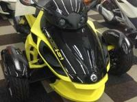 2014 Spyder RS S SE5 in black and yellow. Priced right