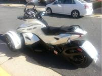 2014 Can-Am Spyder St , White 2014 Spyder that's almost