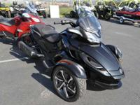 2014 Can-Am Spyder ST-S SE5 SPORT TOURING! Motorcycles