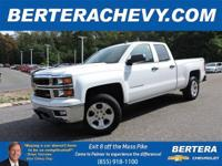 **ONE OWNER/CLEAN CARFAX** 4x4 Double Cab LT w/Z71, 5.3