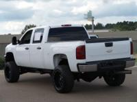 This 2014 Chevrolet Silverado 2500HD LT in White