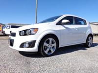 Exterior Color: white, Body: Hatchback, Engine: 1.4L I4