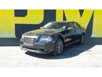 2014 Chrysler 300C John Varvatos Luxury - Accident Free