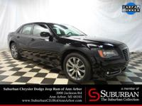 2014 Chrysler 300S AWD with ** NAVIGATION ** SUNROOF **