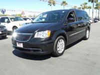 2014 Chrysler Town & Country Touring, Brilliant Black