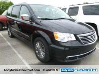 Chrysler Town & Country Clean CARFAX. CARFAX One-Owner.
