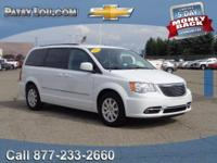2014 TOWN & COUNTRY TOURING - Clean CARFAX One Owner