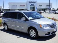 Options:  2014 Chrysler Town & Country Touring|Step