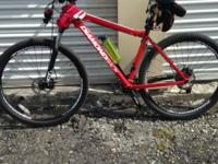 2014 Diamondback mountain bike 29er21 in frame has disk