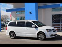 Beautiful 2014 Dodge Grand Caravan! Gorgeous black
