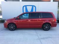 Come see this 2014 Dodge Grand Caravan SXT. Its