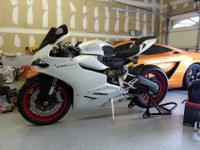 2014 Ducati 899 Arctic White Silk - Like new, not a