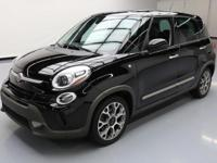 This awesome 2014 Fiat 500 comes loaded with the