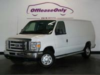 2014 Ford Econoline Cargo E-250, Oxford White/Medium