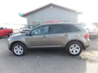 Options:  2014 Ford Edge Navigation! Heated Leather
