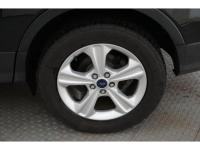 This 2014 Ford Escape SE includes a backup sensor,