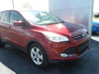 2014 Escape Ford SE Ruby Red Tinted Clearcoat FWD