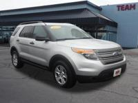 Ford Explorer 2014 Silver CARFAX One-Owner. New