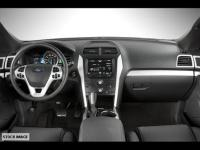 This 2014 Ford Explorer XLT features backup sensor,