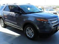 FUEL EFFICIENT 24 MPG Hwy/17 MPG City! CARFAX 1-Owner,