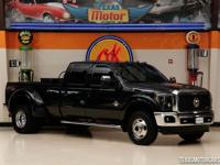 This 2014 Ford Super Duty F-350 Lariat is in great