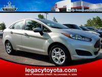 Clean CARFAX. Fiesta SE, 4D Sedan, 1.6L I4 Ti-VCT, FWD,