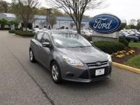 CLEAN CARFAX 1 OWNER2014 FORD FOCUS HATCHBACK SE TRIM