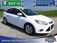 Certified Pre-Owned 2014 Ford Focus SE 4 cyl 2.0L DGI