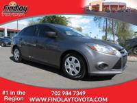 FUEL EFFICIENT 36 MPG Hwy/26 MPG City! CARFAX 1-Owner.