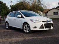 White 2014 Ford Focus SE FWD 6-Speed Automatic with