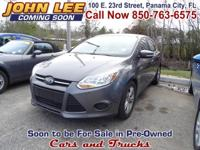 ONLY 22,472MILES..! This 2014 Ford Focus SE has Cloth