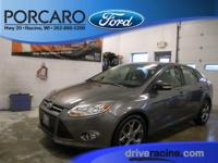 Options:  2014 Ford Focus Se|Sterling Gray