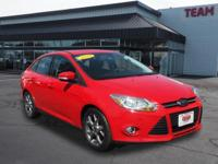 Ford Focus SE 2014 Red CARFAX One-Owner. 36/26
