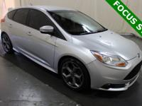**CLEAN CARFAX HISTORY**, NON SMOKER VEHICLE!!, CARPLAY