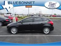 EPA 37 MPG Hwy/26 MPG City! CARFAX 1-Owner, Excellent