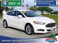Certified Pre-Owned 2014 Ford Fusion SE 202A with 18'