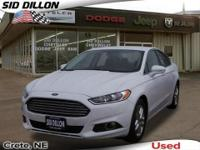2014 Ford Fusion FWD 4 Door Sedan A winning value! SAVE