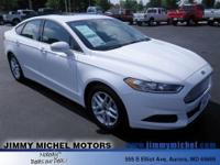 Fusion SE FWD **CLEAN AUTOCHECK** **ONE OWNER** CD