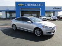 Silver 2014 Ford Fusion SE FWD 6-Speed Automatic