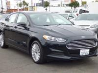 2014 Ford Fusion SE Hybrid. CARFAX: 1-Owner, Buy Back