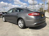 Options:  2014 Ford Fusion Se|Gray/|V4 2.5 L