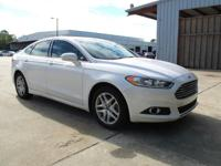 SE trim. EPA 34 MPG Hwy/22 MPG City! CARFAX 1-Owner.