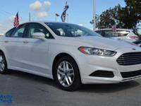 You're looking at a 2014 Ford Fusion SE in Car