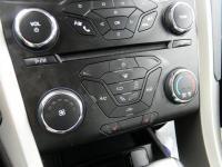 EPA 34 MPG Hwy/22 MPG City! SE trim, Tuxedo Black