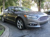 New Arrival! CarFax 1-Owner, This 2014 Ford Fusion SE
