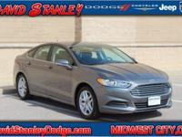 Fusion SE, 4D Sedan, 2.5L iVCT, Automatic, FWD, and