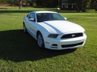 2014 ford mustang 1,550 miles that is no a type O v6