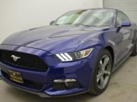 EPA 29 MPG Hwy/19 MPG City! CARFAX 1-Owner, LOW MILES -