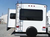2014 Forest River Wildcat 27 ft Trailer RV What a